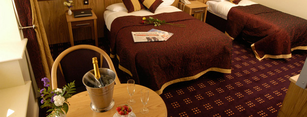 Carrick-on-Shannon-hotel-bedroom