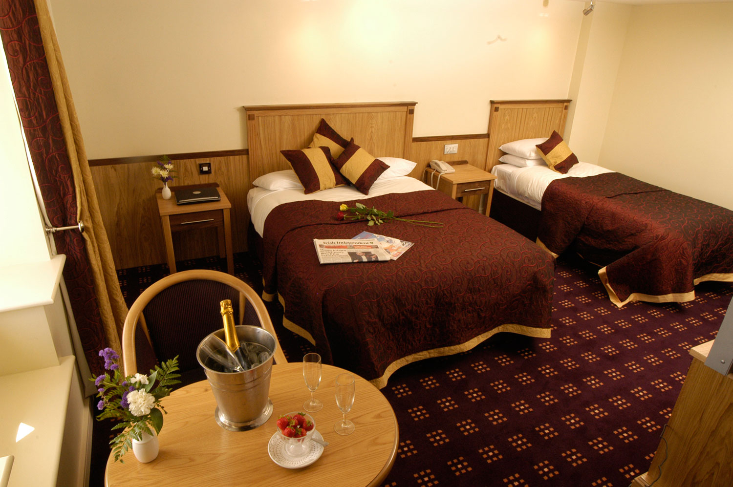 Carrick on Shannon hotel bedroom